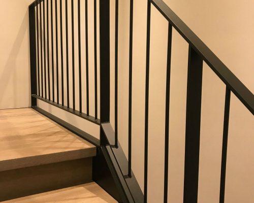 Zwarte Stalen Trapleuning : Stalen trappen en hekwerken simply steel