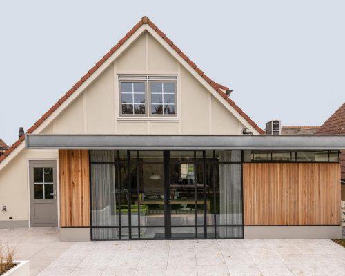 stalen-buitenpui-moderne-woning-Domburg  (1 van 1)