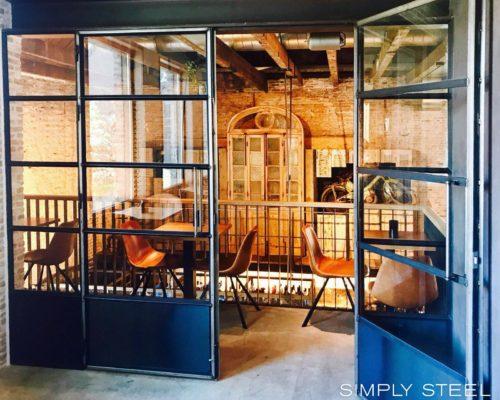 prachtige-industriele-look-stalen-binnenkozijn
